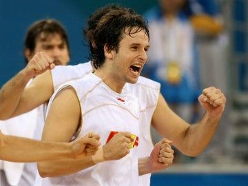 Raúl López, durante la final olímpica de 2008 contra EEUU