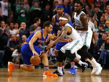 Calderón, en acción ante los Celtics