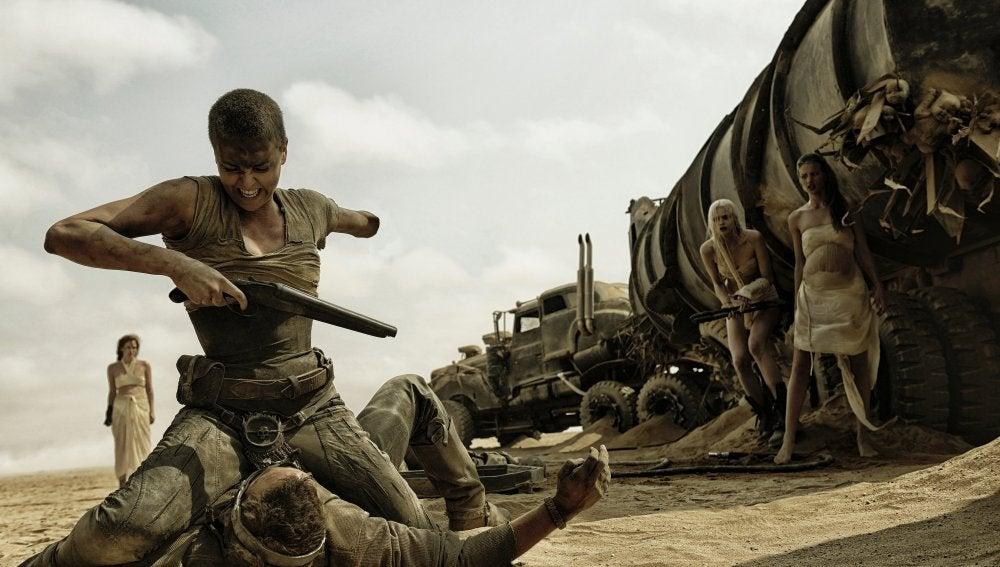 Emperatriz Furiosa de 'Mad Max: Furia en la carretera' es una mujer de armas tomar y con unos ideales incorruptibles