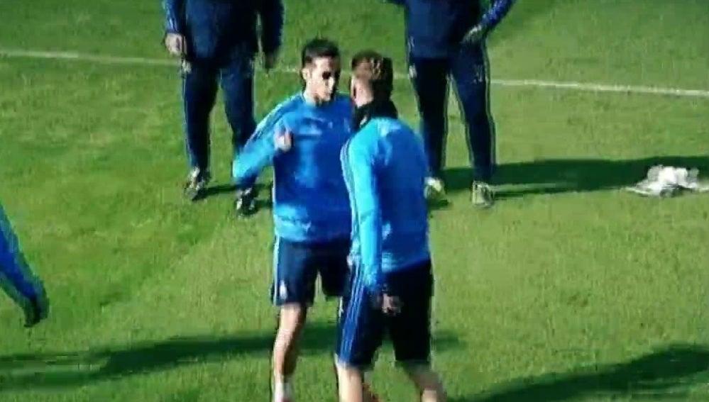 Lucas Vázquez se pica con Sergio Ramos