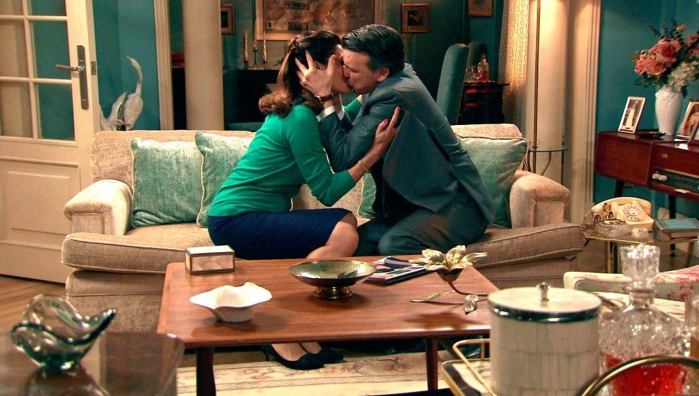"""C.801 - Adela perdona a Tomás: """"Te quiero más que nunca, vuelve a dormir conmigo"""""""