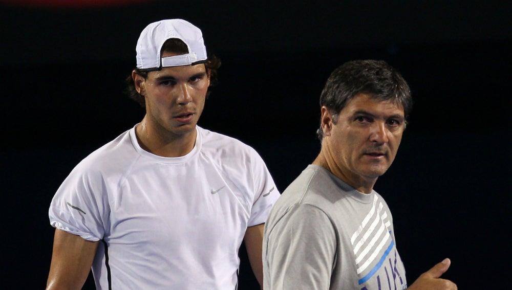 Rafa Nadal, junto a su tío y entrenador, Toni Nadal