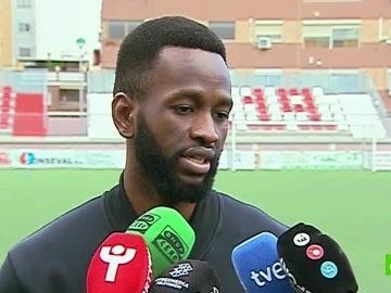 """El portero del Acero Oumar Diaby cuenta como intentaron """"comprar"""" por dejarse un gol"""