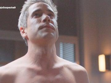 Daniel se desnuda en comisaría