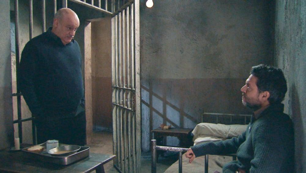 Amar C802 - Gervasio le confiesa a Eladio el asesinato del pastor