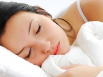 Una chica durmiendo
