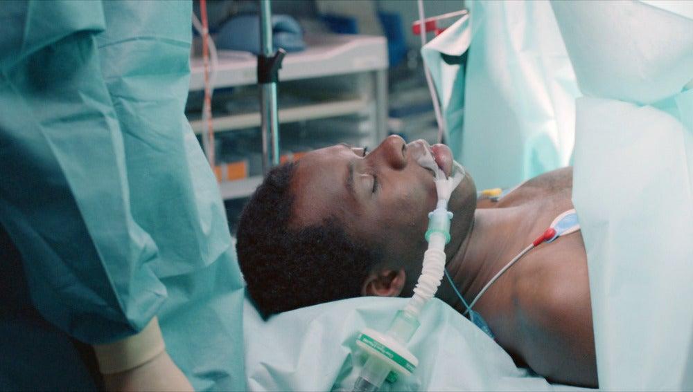 Nelson Diop en la sala de quirófano