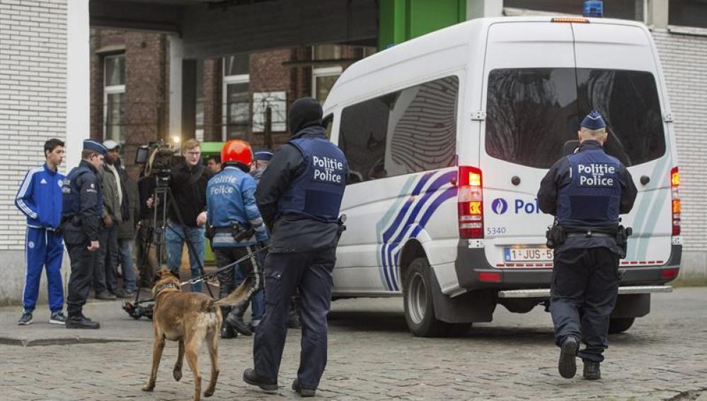 Salah Abdeslam es detenido y herido en el barrio de Molenbeek