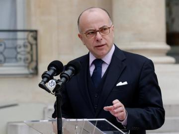 El ministro francés del Interior, Bernard Cazeneuve
