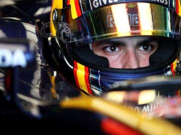 Sainz, en su monoplaza durante la sesión de calificación de Australia