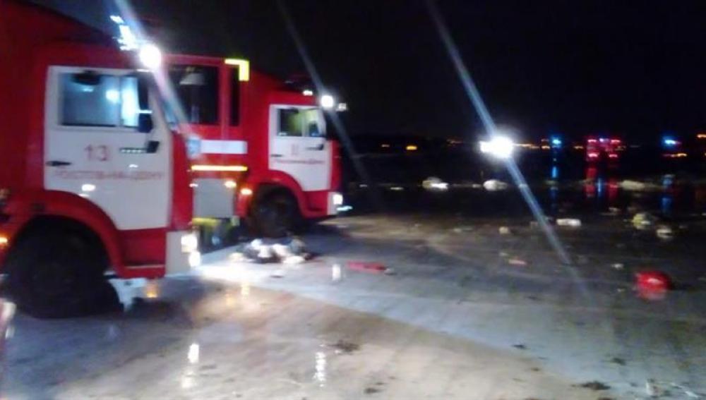 Bomberos y ambulancias acuden al lugar del siniestro