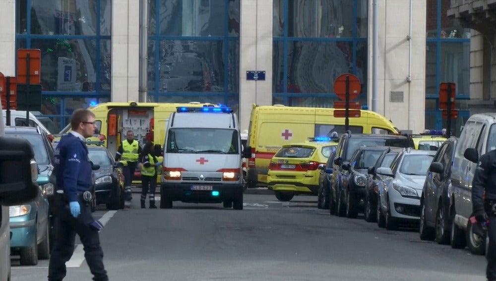Servicios de emergencia evacuan la zona