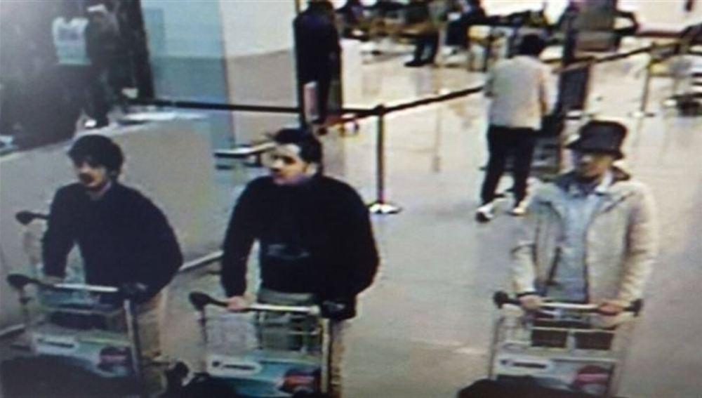 Tres presuntos sospechosos de los atentados en Bruselas