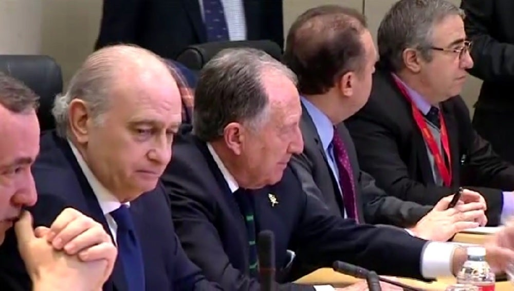 Jorge Fernández Díaz durante la mesa de Interior