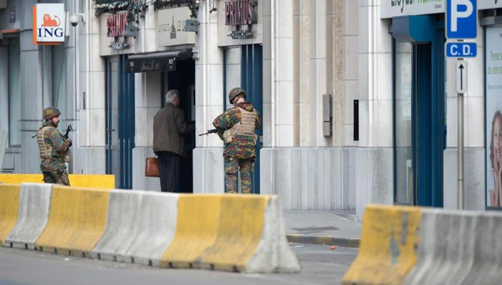 Las fuerzas de seguridad en el lugar del atentado