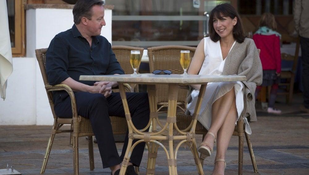 David Cameron junto a su mujer durante las vacaciones de Semana Santa en Canarias