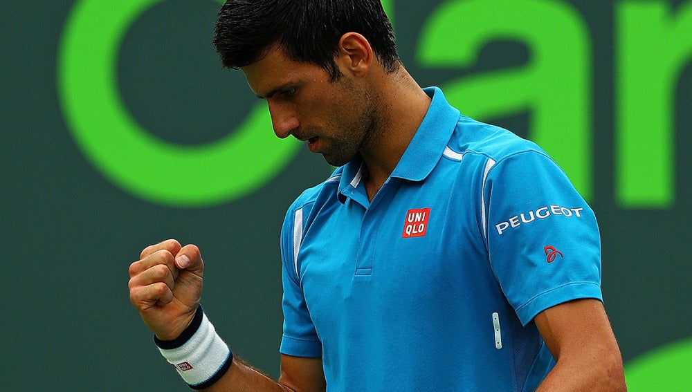 Djokovic celebra su victoria ante Nishikori.