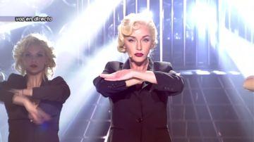 Anna Simon se transforma en Madonna