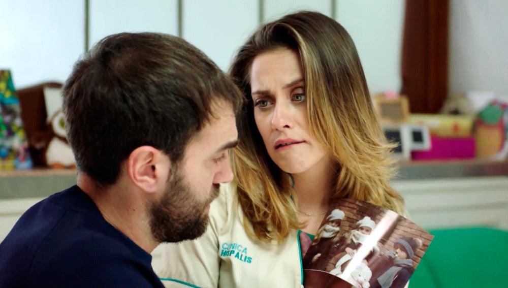 """Carmen le pide a Iñaki que finja su matrimonio """"por ayudar a una familia"""""""