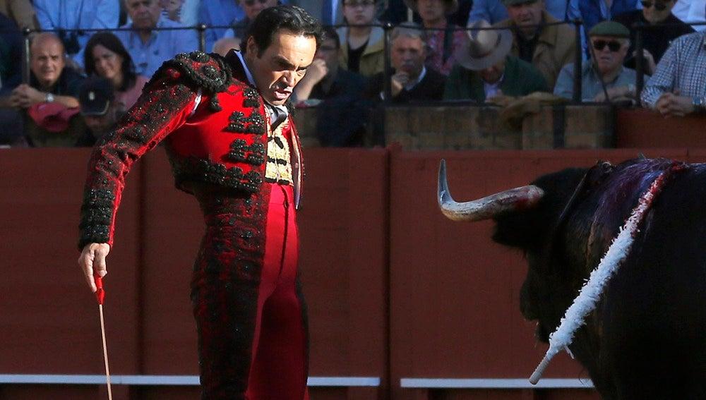 """El diestro Manuel J.""""El Cid"""" durante su primero"""