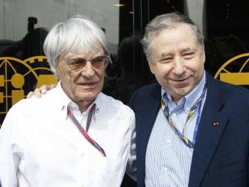 Bernie Ecclestone y Jean Todt posan para una foto