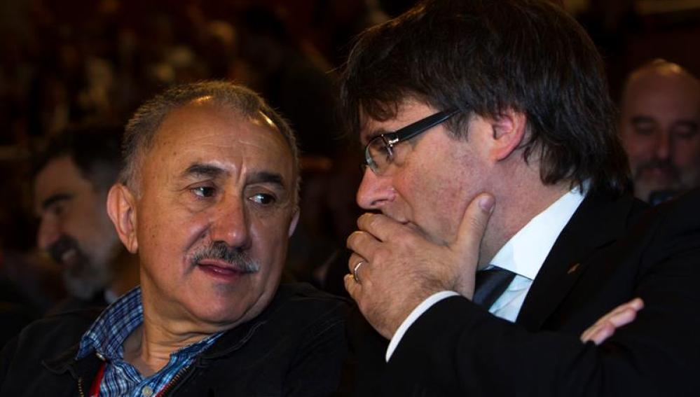 Carles Puigdemont junto a Josep Maria Àlvarez
