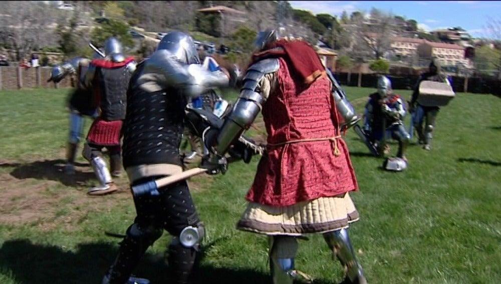 Manzanares el Real vuelve a la Edad Media con un combate medieval