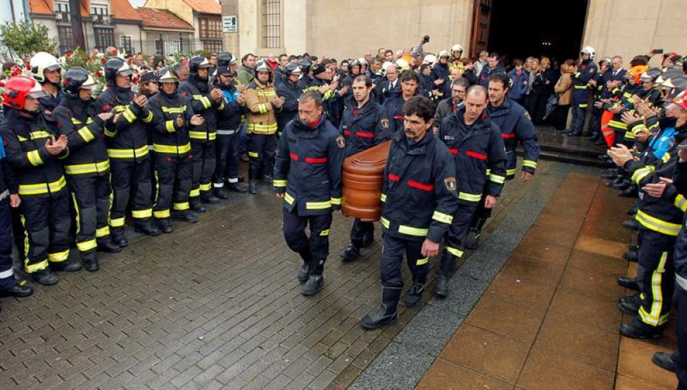 Los compañeros de Eloy Palacio, del bombero de Oviedo fallecido el jueves