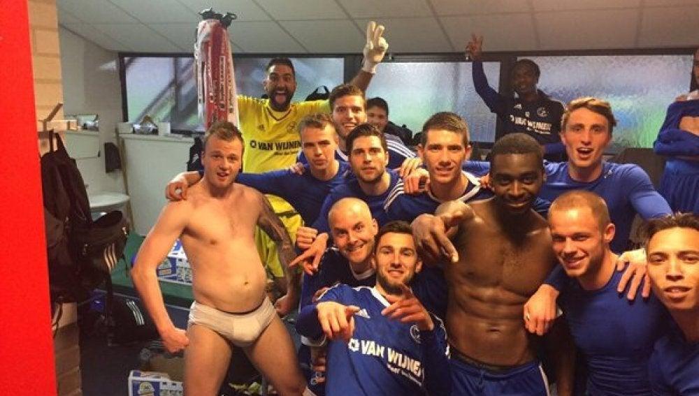Los jugadores del Almere City
