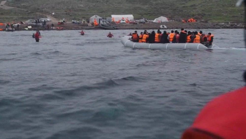 Imagen de refugiados en el mar Egeo (Archivo)