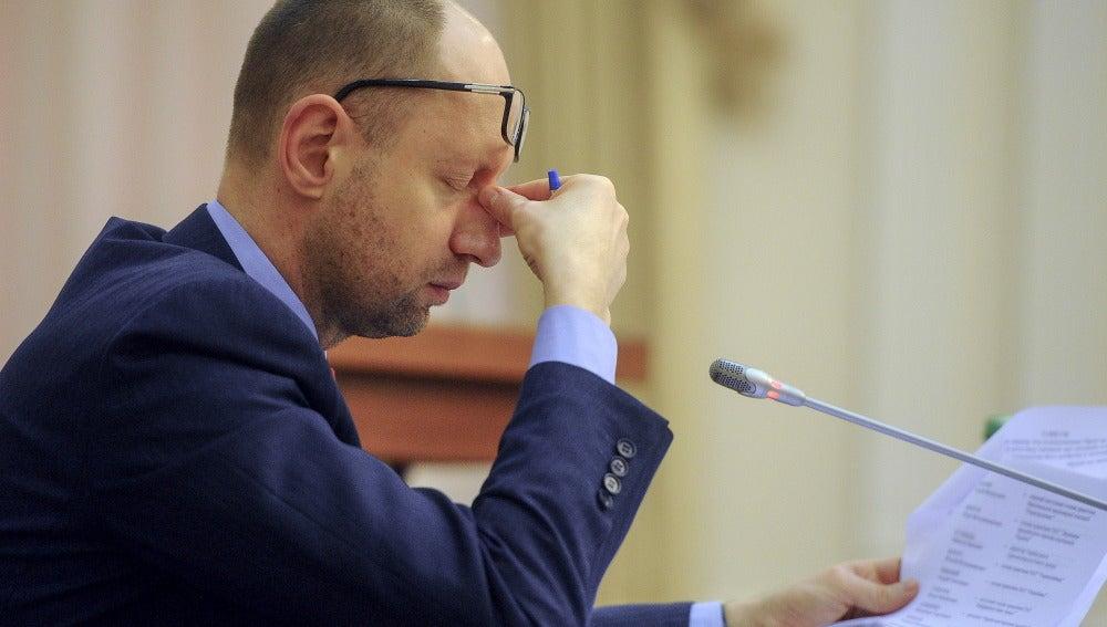 Arseni Yatseniuk, al anunciar su renuncia