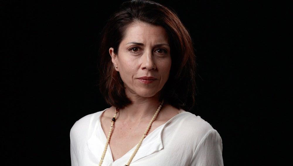 Alicia Borrachero es Olga, mujer del cónsul