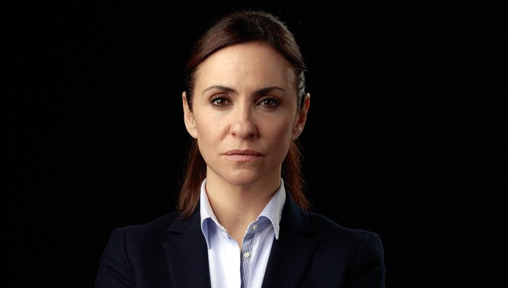 Melanie Olivares es Patricia, comercial