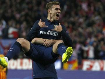 Griezmann celebra su gol contra el Barcelona