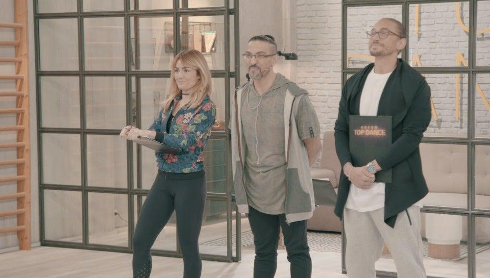 Verónica Mejía, Chevi Muraday y Benji Weeratungue