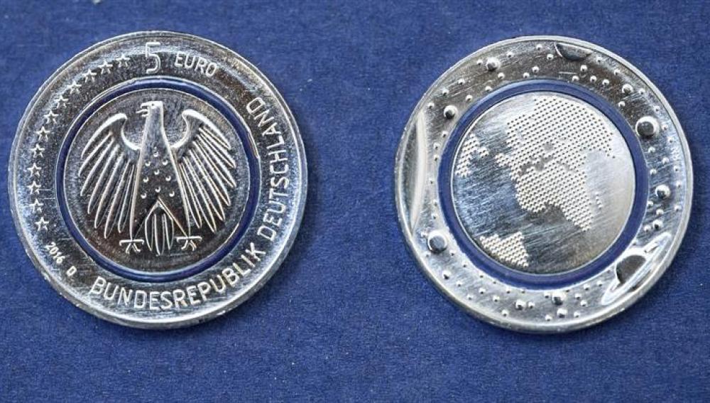 Nuevas monedas cinco euros emitidas bajo el nombre 'Planeta Azul'