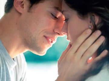 Expertos concluyen que los besos son beneficiosos para la salud