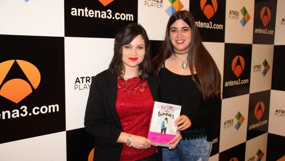 May R Ayamonte y Esmeralda Verdú, autoras de 'Besos entre Líneas'