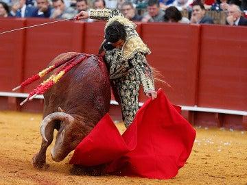 VILLA, 15/04/2016.- El matador de toros Morante de la Puebla en el segundo de su lote