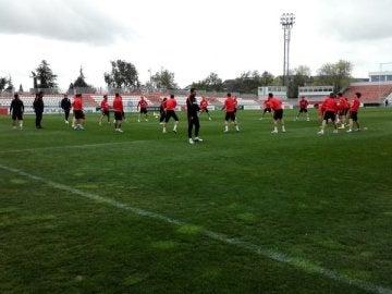 El Atlético de Madrid  se entrena con toda la plantilla incluido Tiago y Giménez