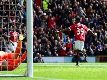 Marcus Rashford marca con el Manchester United ante el Aston Villa