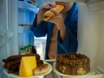La falta de sueño eleva el apetito