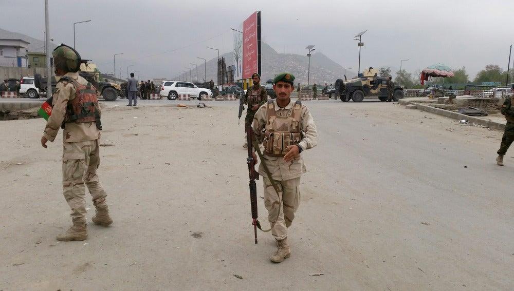 Las fuerzas de seguridad se han desplegado alrededor de la zona de la explosión