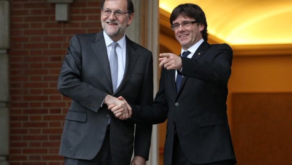 Mariano Rajoy recibe a Carles Puigdemont en La Moncloa