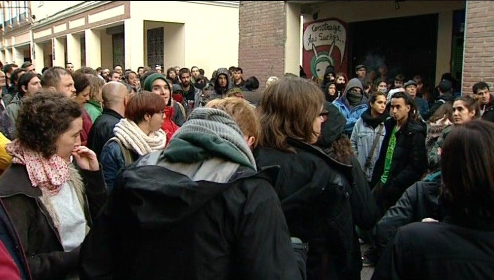 Una treintena de detenidos por volver a ocupar un centro social en Madrid