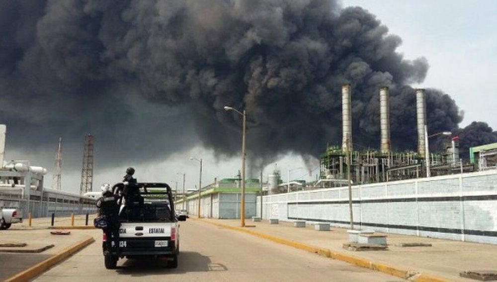 Explosión en la planta de Pemex