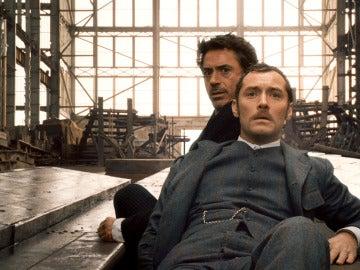 Robert Downey Jr. y Jude Law en 'Sherlock Holmes'