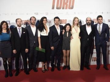 El equipo al completo de Toro
