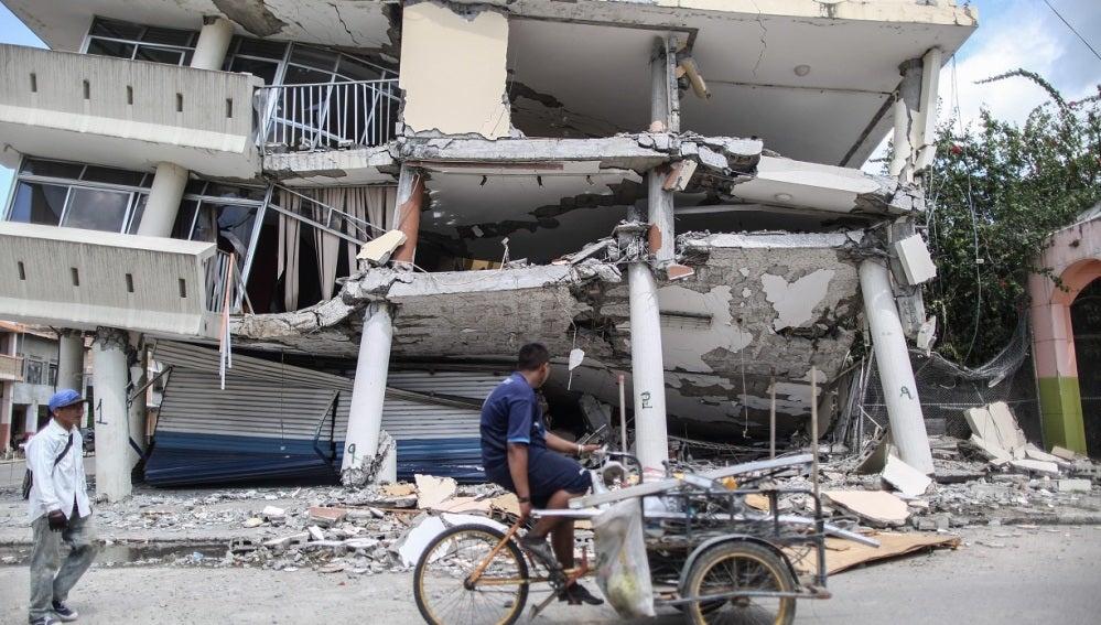 Una vivienda destruida por el terremoto
