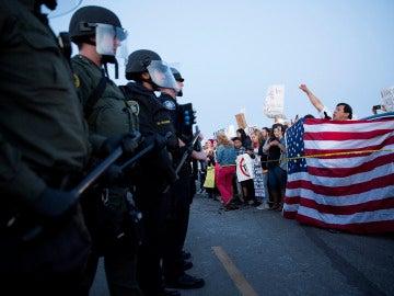 Protestas en un acto electoral de Trump